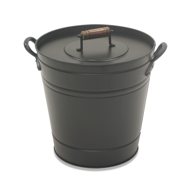 Covered Ash Bucket